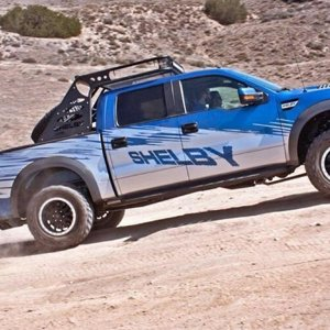 FORD F-150 RAPTOR SVT от SHELBY в пустне